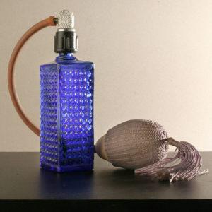 Perfume_set_from_circa_1965